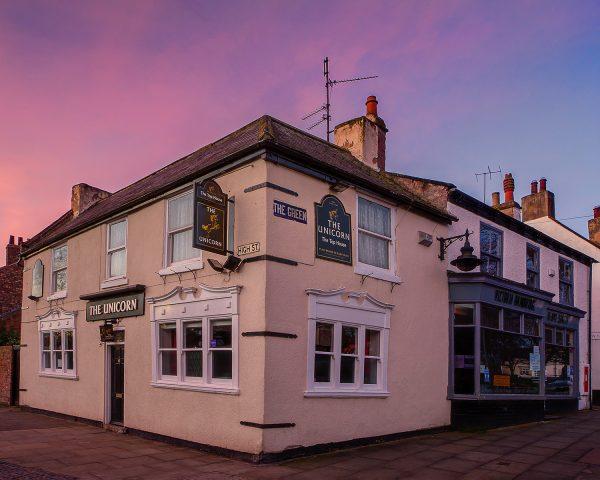 Top House Top Pub